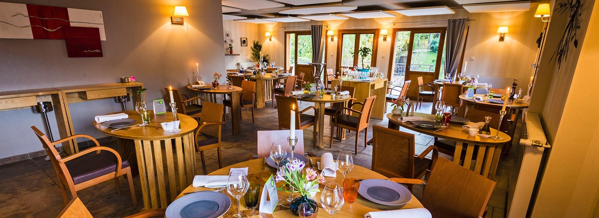 Salle à manger au restaurant le Chalet à Ax les Thermes en Ariège Pyrénées