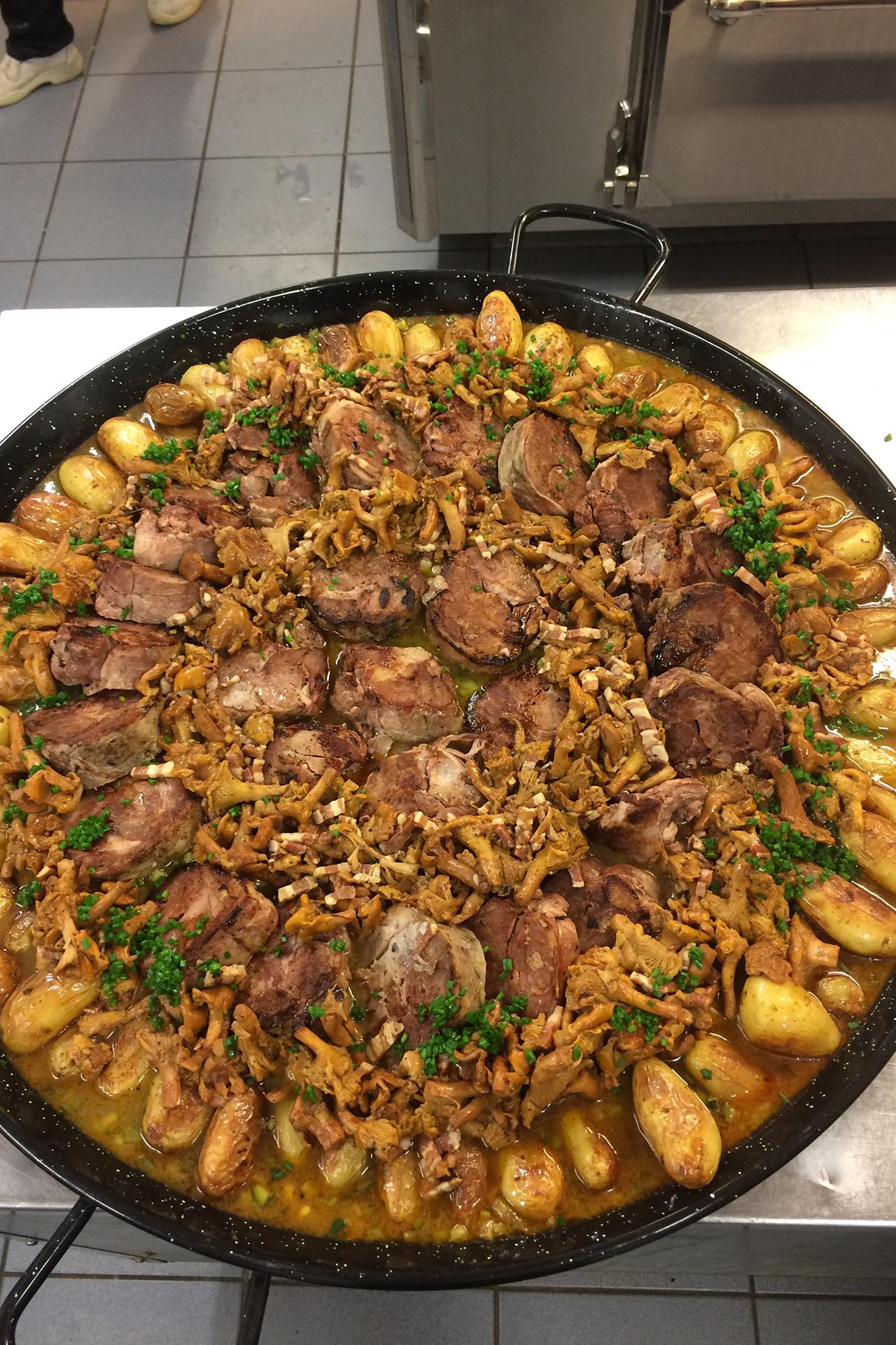 Agneau confit Repas livré chez client août 2015 Restaurant Le Chalet Ax les Thermes Ariege.JPG
